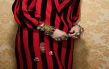 La industria de la moda fotografiada como prisión de niños explotados