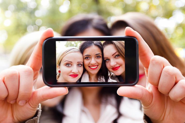 El hilarante anuncio de Pizza Hut y la pasión selfie