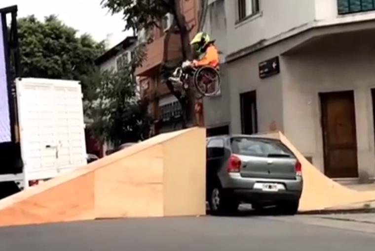 Obstruyen Rampas Para Discapacitados Y Usan Sus Autos Como