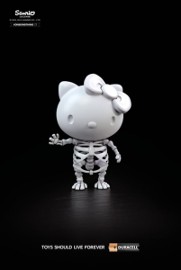 Duracell asesina a Hellow Kitty y otros juguetes en campaña impresa 1