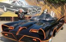 Warner Brothers de fiesta por el festín 50 de un hito de la cultura pop: Batman