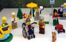 Lego también se suma a la inclusión y lanza muñeco en silla de ruedas