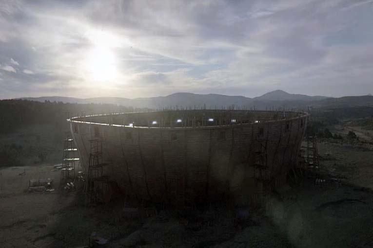 """""""La cancha de Noé"""", un mensaje divino de Maradona y Tecate"""