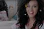 Katy Perry hace propaganda muy a su estilo