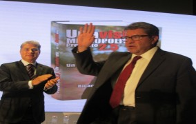 Monreal propone soluciones para la CDMX